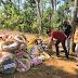 ധീര ജവാൻ വി.വി. വസന്തകുമാറിന്റെ കുടുംബത്തെ ആശ്വസിപ്പിക്കാൻ മമ്മൂട്ടി.