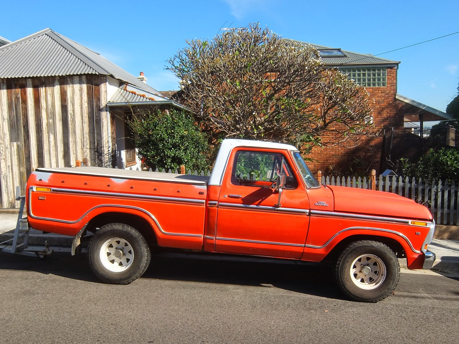 Aussie Old Parked Cars 1978 Ford F100 Custom Xlt