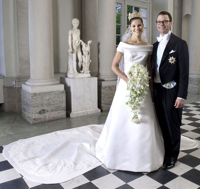 Royal couture princess madeleine of sweden official for Swedish wedding dress designer