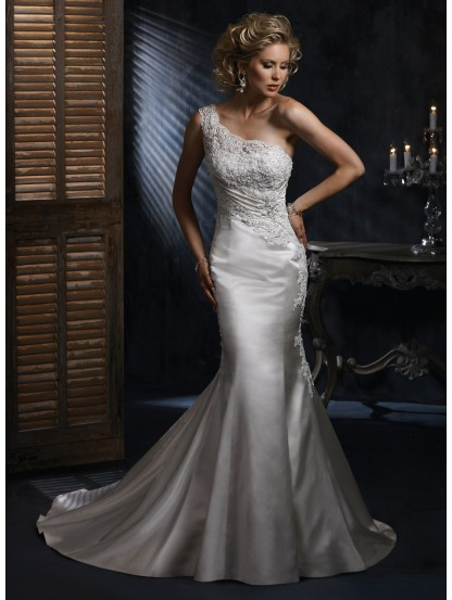 one-shoulder-neckline-wedding-dress