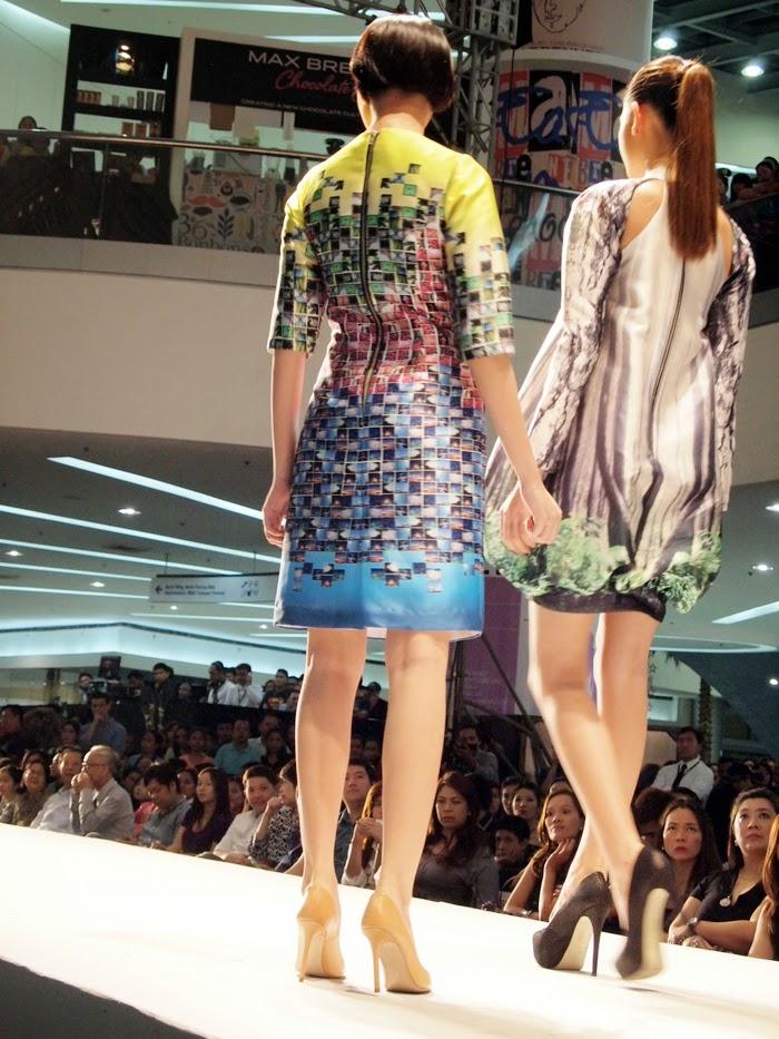 Petit monde latest dress style