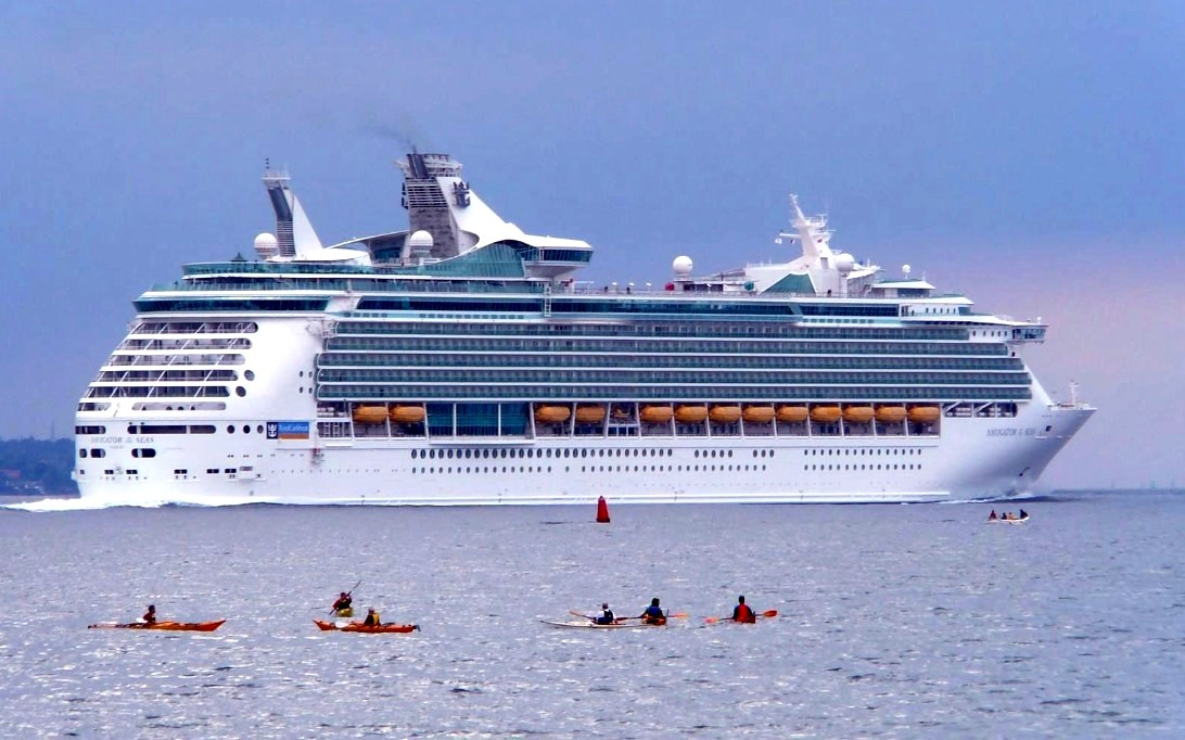 Navigator of the Seas Cruise Ship Wallpaper 4