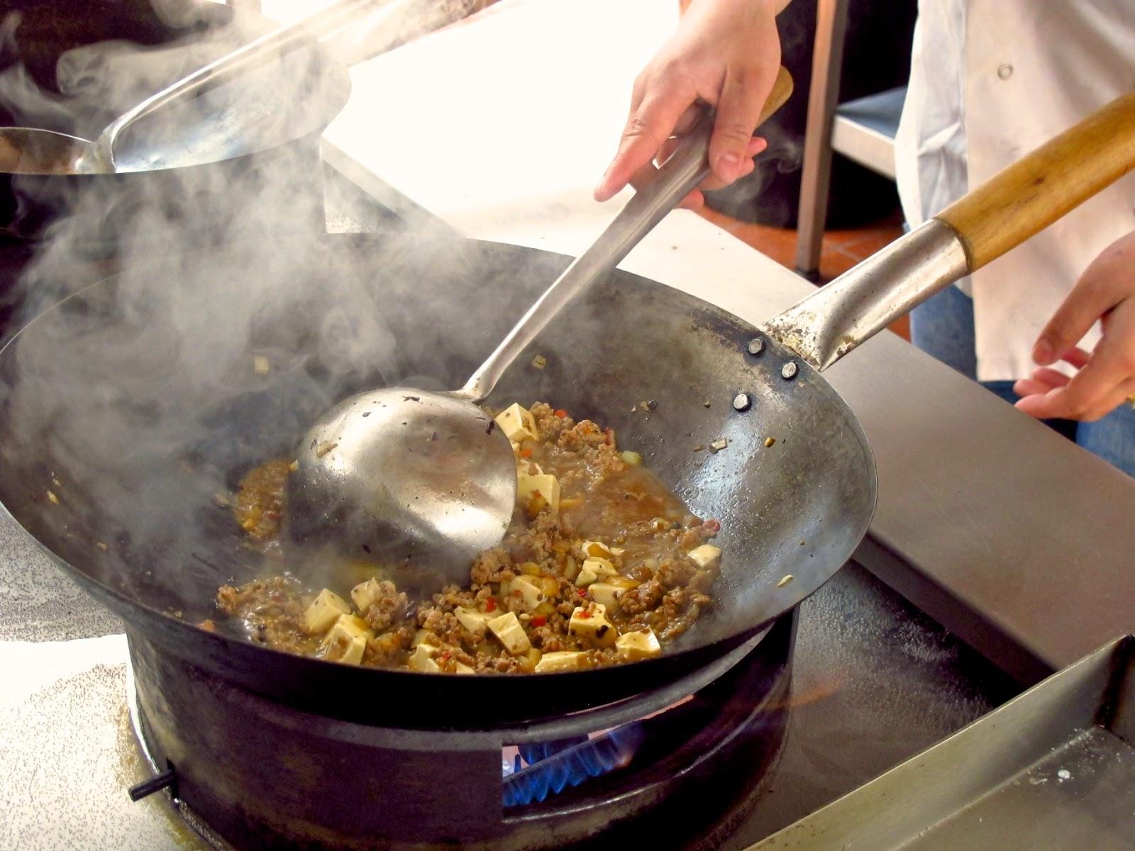 Cuadernos de cocina oriental 2 0 cocinando con un wok - Wok 4 cocinas granollers ...