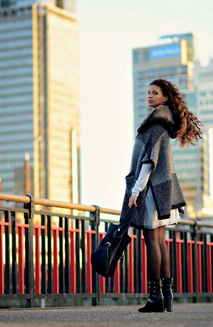 Zara Poncho, Mango ankle boots, Tamara Chloé, TC Style Clues, Amsterdam