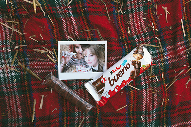 A blog post featuring an outfit inspired by the deliciously different Kinder Bueno