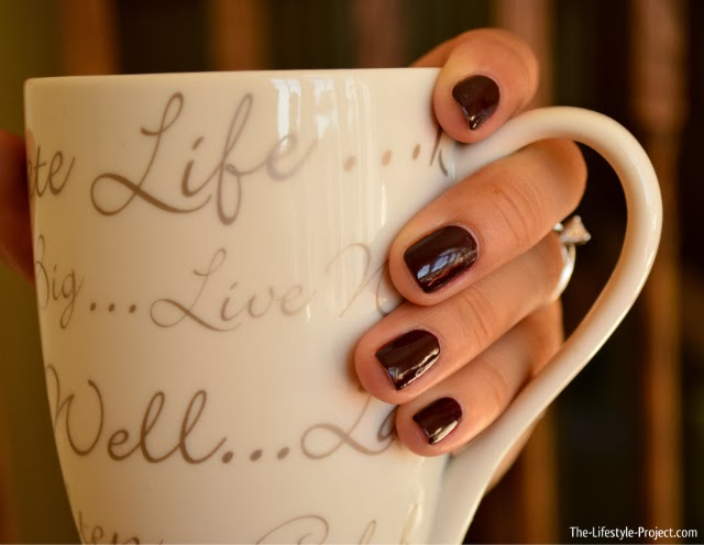 perfect-plum-manicure