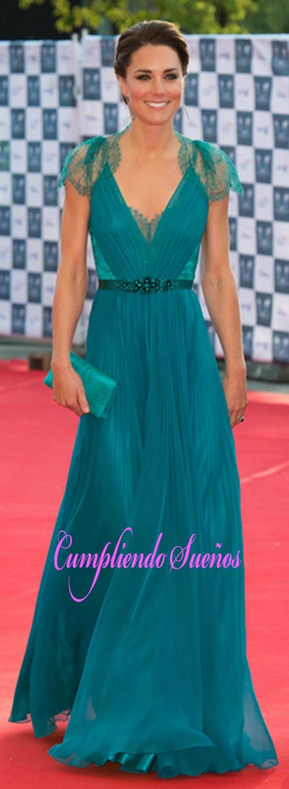 Cumpliendo Sueños: Nancy se viste de princesa europea - Inauguración ...
