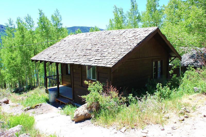 Rental cabins at fish lake utah rustic 5 person camping for Fishing cabin rentals