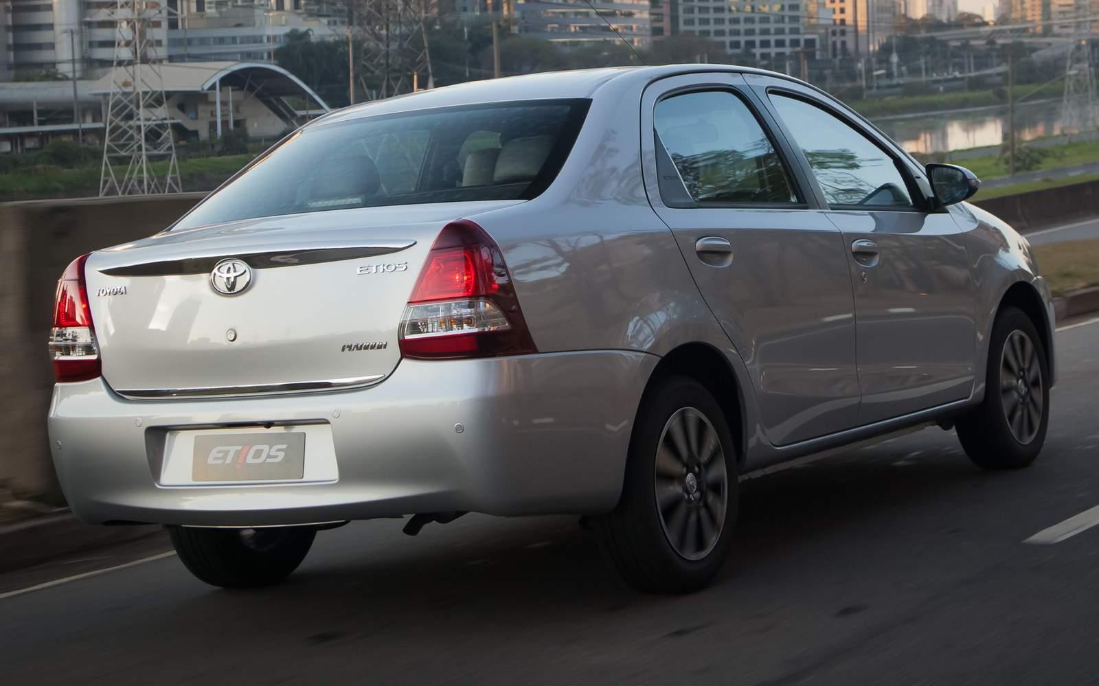 Toyota Etios Sedã  2015