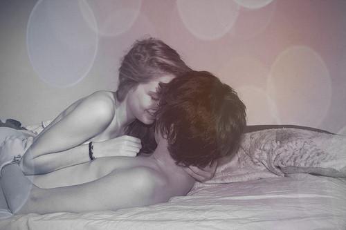 quiero quedarme aqui contigo, y hacer el amor