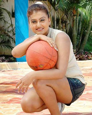 Desi Aunty Sona Hot and tight Dress Photos | Mallu Surf