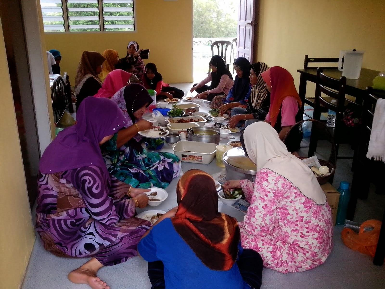 Suasana Ruang Rumah Rehat Keluarga Kg.Medan Jaya