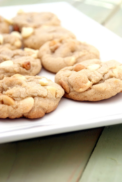 White Chocolate Macadamia Nut Cookies ~ Delicious Food Recipes