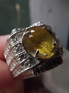 natural yellow sapphire