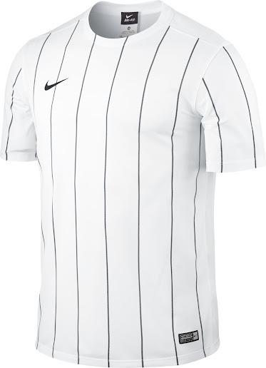 http://4.bp.blogspot.com/-PRabwVaV2ho/VhRRw5x3rXI/AAAAAAAAsCM/YcemMEnPTtY/s516/nike-striped-segment-ii-jersey-1.jpg