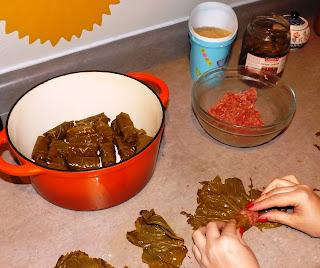 Долма - кухня Кавказа и южных стран Евразии. В России она не пользуется особой популярности как шашлык или плов.   Так случилось, что  прадеды со стороны моей мамы были староверами и их сослали в районы Закавказья. И конечно, в нашей семье готовили много блюд местных жителей. Но любимым блюдом моего детства стала Долма. Рецептов её приготовления много.   Но так как я не люблю долго возиться в кухне, то я избрала для себя очень легкий и простой вариант.  Для её приготовления необходимо 1. Виноградные листья 20 шт. Я использую маринованные; 2. Фарш (говяжий, свиной) по вкусу 500 грамм; 3. Рис 100 грамм; 4. Соль по вкусу; 5. Перец черный молотый по вкусу; 6. Приправы, зелень тоже по вкусу.   Рис промыть, смешать с фаршем. Добавить соль, перец и специи. Закрутить в листья винограда. Сложить в чугунную кастрюлю, залить кипятком и готовить на медленном огне 25 минут. Подавать к столу со сметаной или кисломолочными продуктами.  Попробуйте, очень вкусно!  Dolma.  Dolma - cuisine of the Caucasus and southern Eurasia. In Russia it is not particularly popular as a barbecue or pilaf.    It happened that the great-grandparents of my mother were Old Believers and their exiled to the Caucasus regions. And of course, in our family were preparing a number of dishes of local residents. But the favorite dish of my childhood was Dolma. Recipes of cooking a lot.   But since I do not like to mess around for a long time in the kitchen, I chose for yourself is very easy and simple option.  To prepare necessary 1. Grape leaves 20 units. I use a pickle; 2. Minced meat (beef, pork) to taste 500 grams; 3. 100 grams of rice; 4. Salt to taste; 5. Ground black pepper to taste; 6. Seasonings, herbs, too, to taste.   Wash rice, mix with stuffing. Add salt, pepper and spices. Tighten in grape leaves. Fold in the cast-iron pot, add boiling water and cook over low heat for 25 minutes. Serve with sour cream or milk products.  Try delicious!