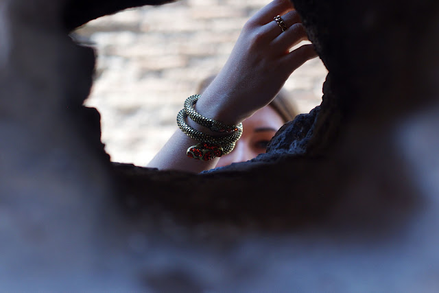 Rome, Italy, blogger, chicnova, vest, zara, eagle necklace, bijou brigitte, gold, adler kette, miu miu sunglasses,