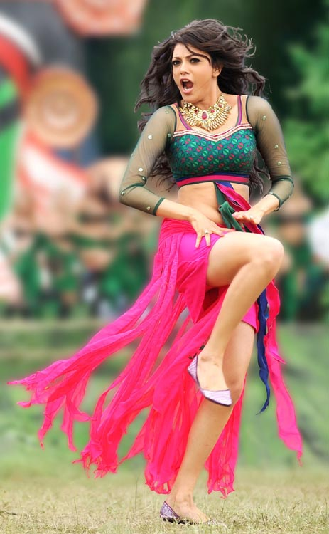 Kajal Agarwal Hot Back Show In Nayak Kajal Agarwal M...