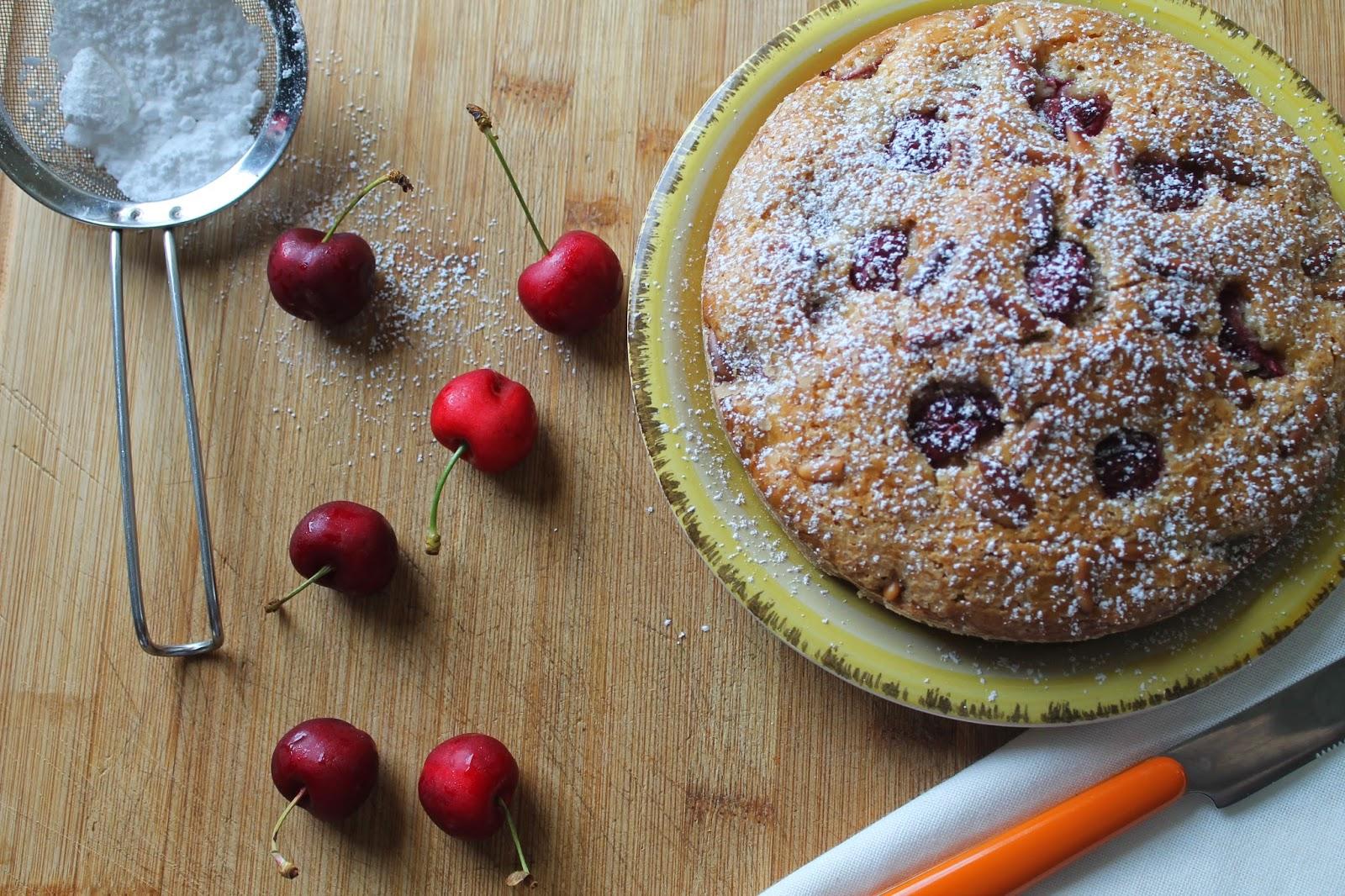 torta di ciliege e pinoli - senza uova e burro