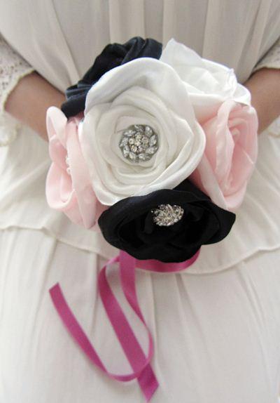 bouquets em tecido com brilhantes