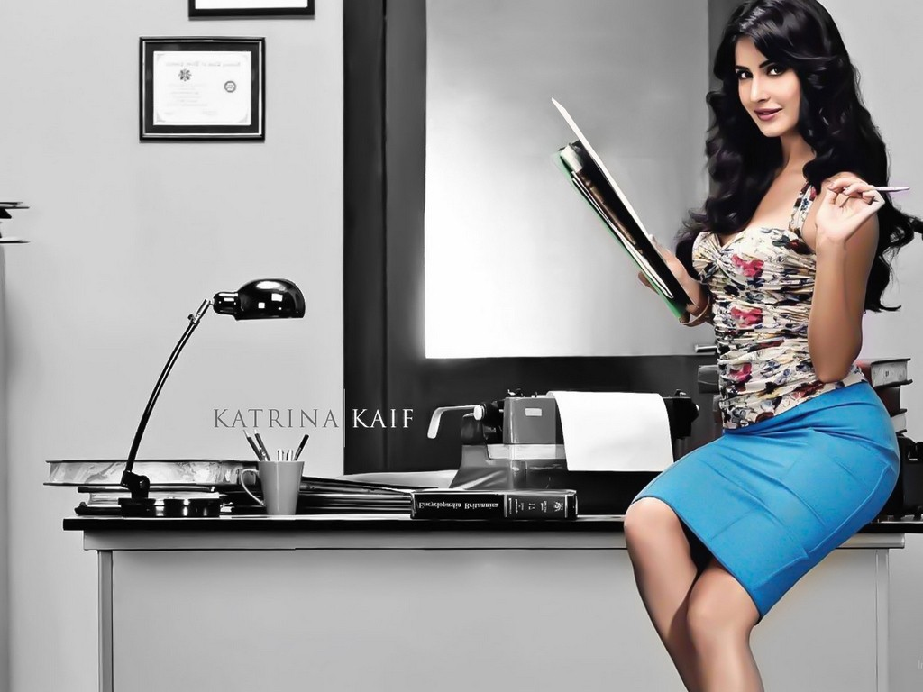 Katrina kaif wallpapers in blue