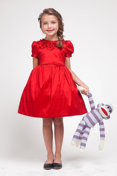 Girls Christmas & Holiday Dresses Filter Shop our exclusive collection of stunning designer girl Christmas dresses that are perfect for the fanciest holiday festivities! Our huge selection includes trendy dresses & outfits for every occasion, from party wear to casual family dinners or formal school events, in all sizes.