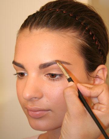 Как сделать объемные брови