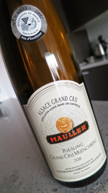 Wine Label of 2011 Hauller Muenchberg Riesling from AC Grand Cru, France