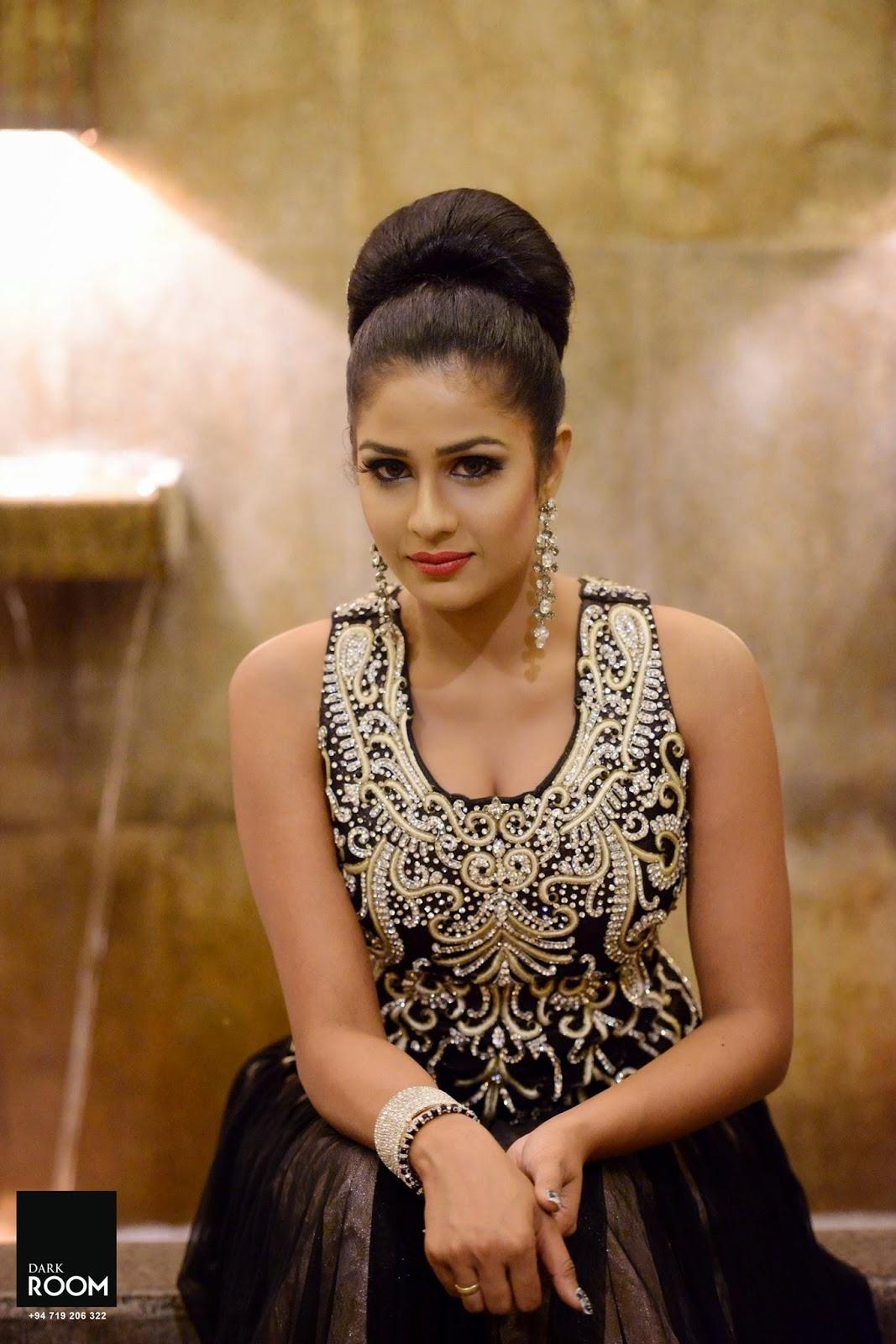 Maheshi Madusanka cute