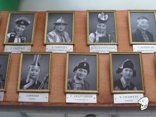 Portraits of the Tumen Ekh performance troop 7