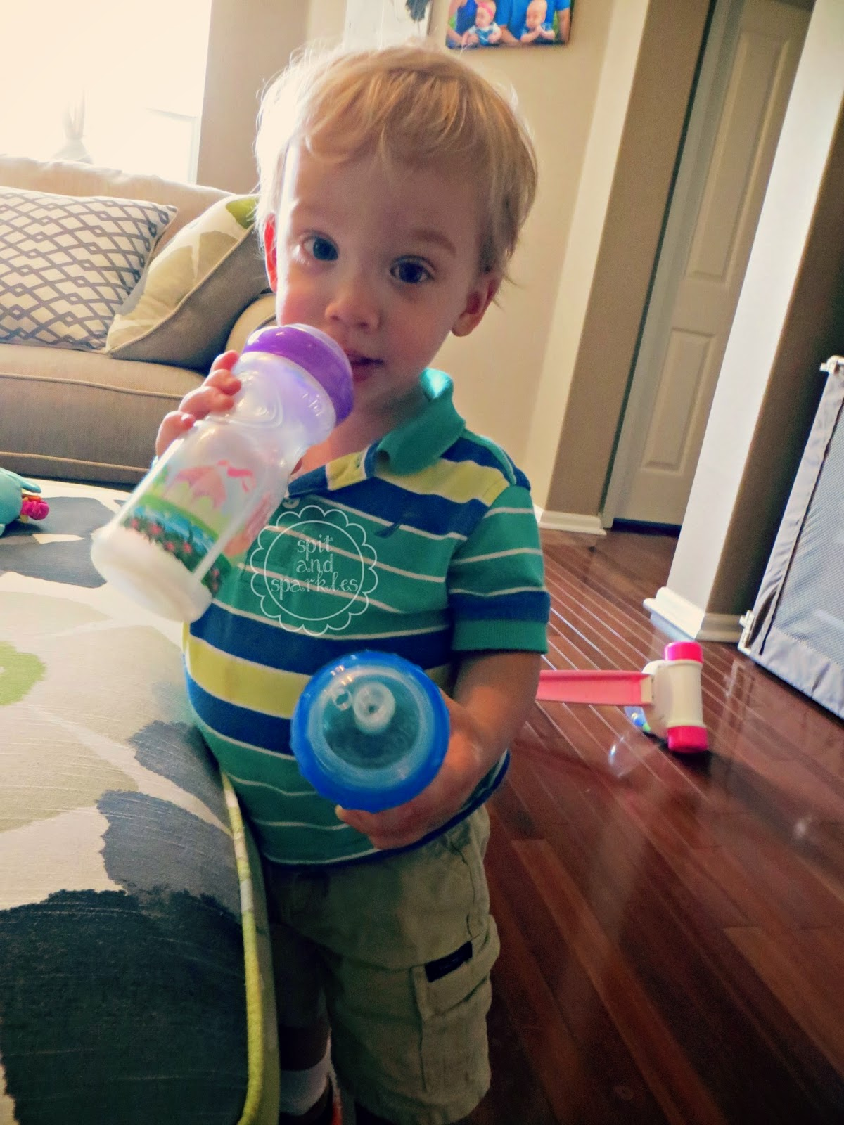 Product Review: Nuby Printed Sports Sipper cups. #review #Nuby #toddlers