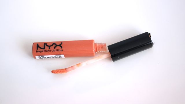 NYX Mega Shine Lip Gloss Swatches in Sugar Pie, French Kiss, African Queen, Beige, Dolly Girl, Rust, Smokey Look