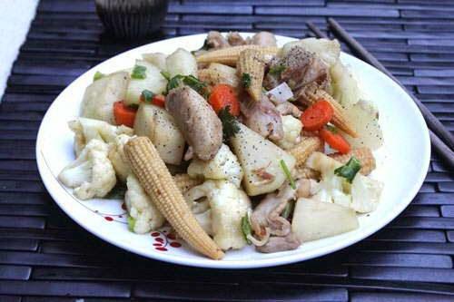 Vietnamese Food - Thịt Gà Xào Rau Củ Thập Cẩm