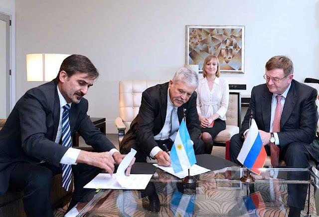 Muitos papéis assinados e muitas promessas feitas, mas a Rússia ficou inadimplente