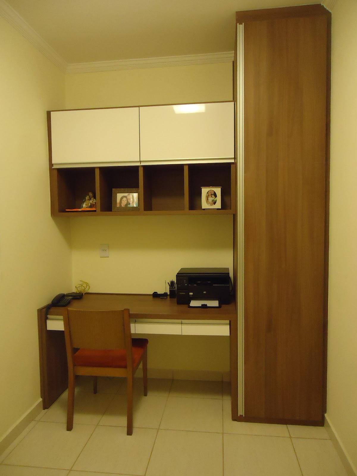 Quarto de hóspedes e escritórioO armário lateral serve como um #AF5310 1200 1600