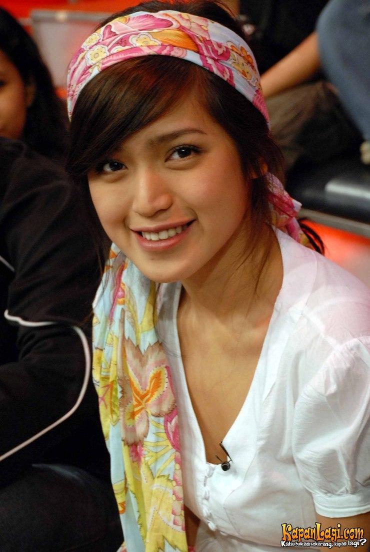 Gombalan Cinta ala Jessica Iskandar