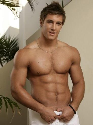 adolescente musculoso, joven musculoso, ganar masa muscular ...