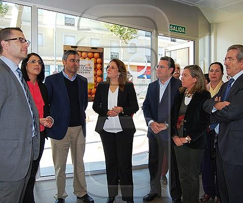 La nueva oficina de correos en la avenida de espa a dar for Oficina central de correos madrid