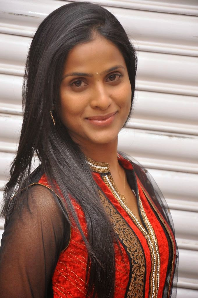 TELUGU TV ACTRESS PRASANTHI NEW PHOTO
