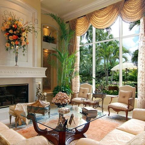 Eye for design decorating in coastal style elegant for Interior designers palm beach