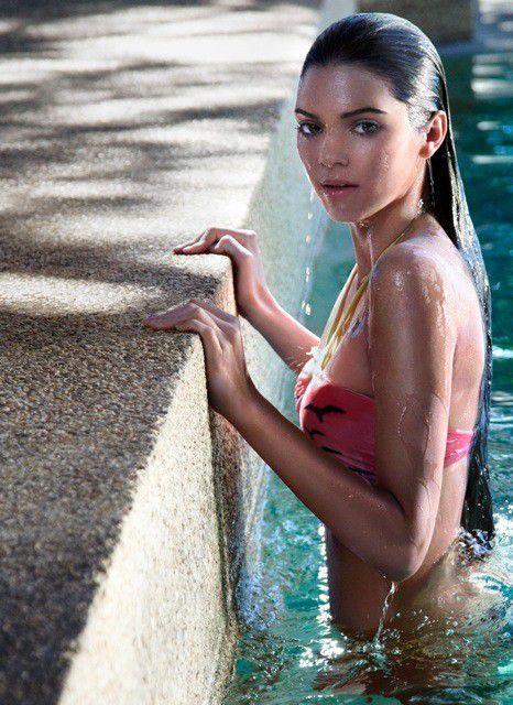 Kendall Jenner sexy in swimwear