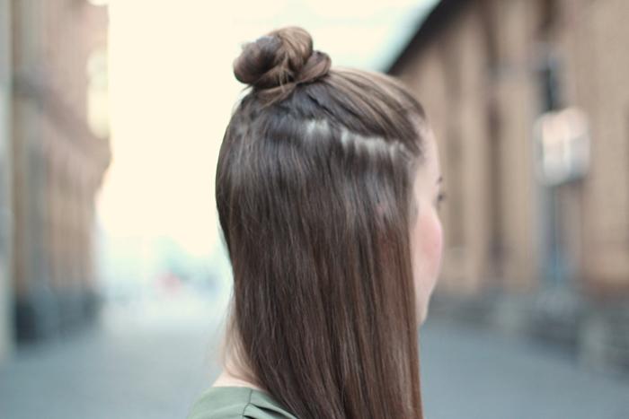 Half-Bun, halfbun, Sommerfrisur, fisurentrend, hairtrend