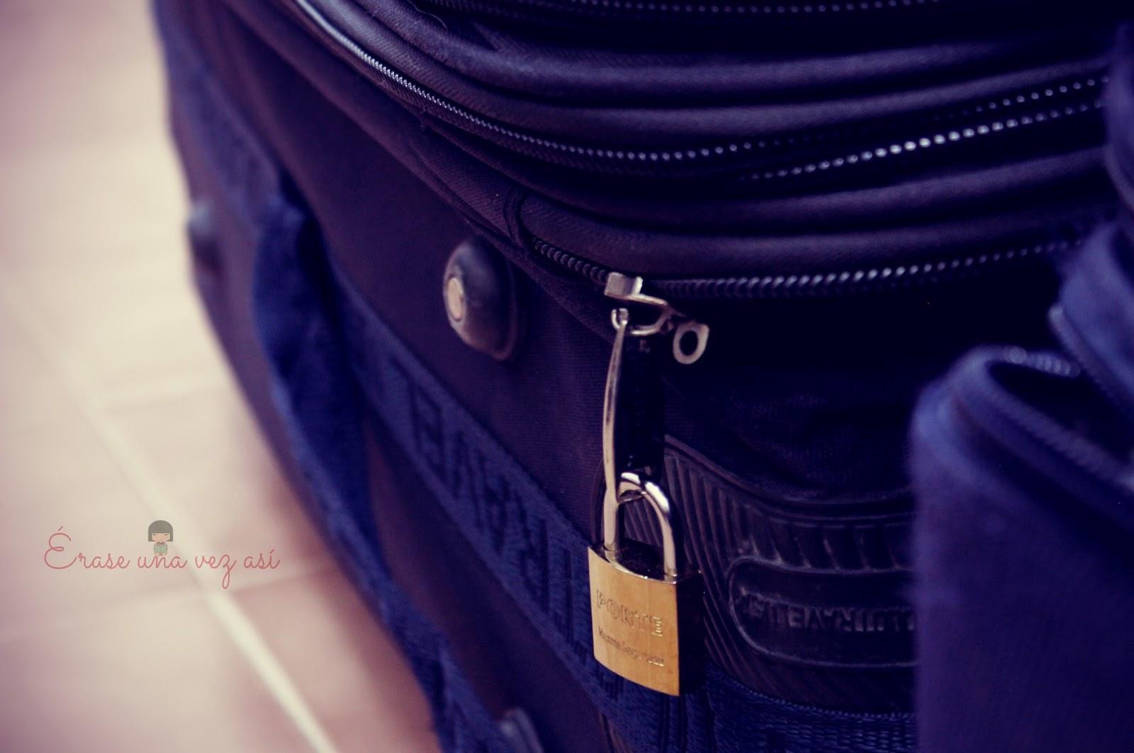 Me fui a ser feliz y no sé cuando vuelvo, maleta, viaje sin rumbo, frases de amor, relatos de amor, frases para reflexionar