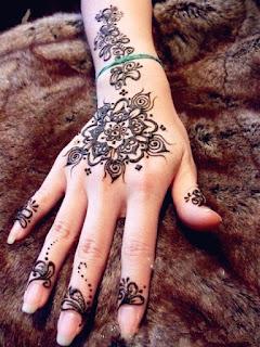 hennas zīmējumi Rīgā