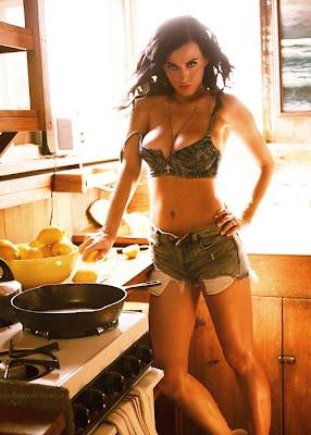 Katy Perry Loves Lemons