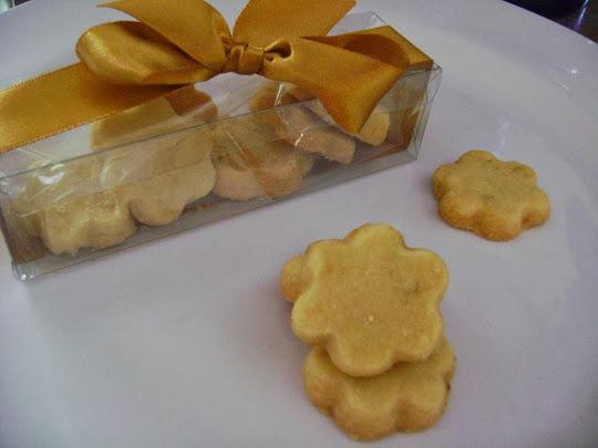 opções para presentear :caixinha em acetato com biscoitinhos saborizados