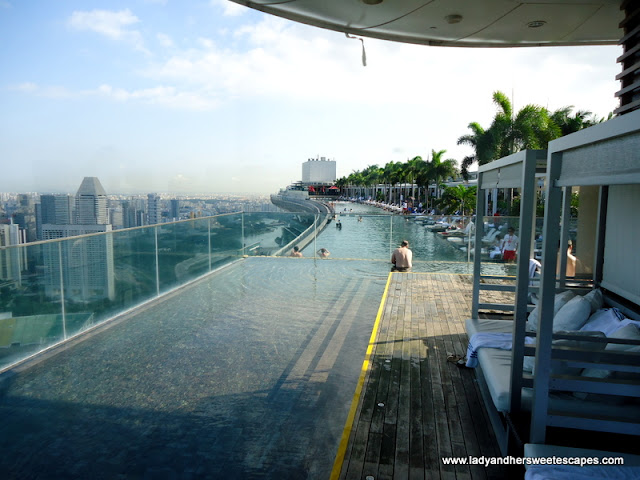 infinity pool of Marina Bay Sands