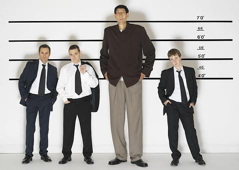 Qué tanto les importa la altura que tienen los hombres a las chicas ...