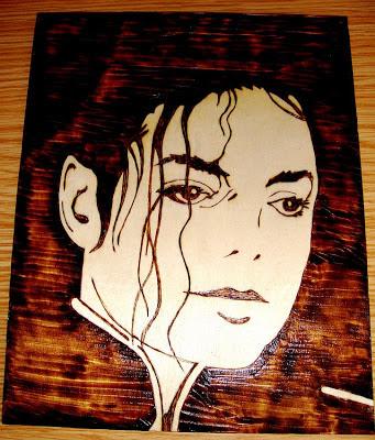 Michael Jackson em pirogravura