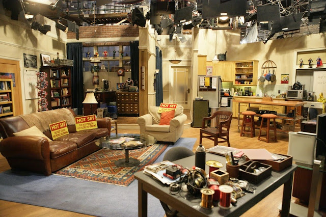 living room / sheldon / leonard